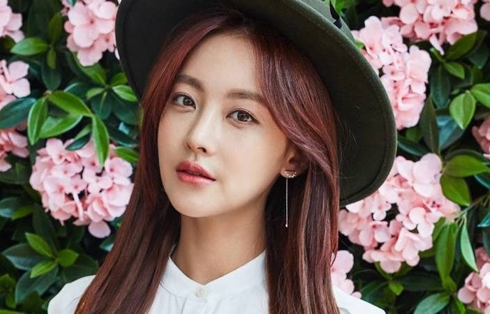 Oh yeon seo confirms lead role in hwayugi kdramabuzz oh yeon seo confirms lead role in hwayugi stopboris Images